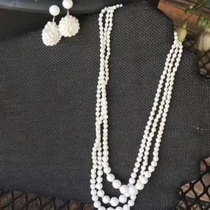 🌸 Milk Glass Beaded Necklace And Earrings